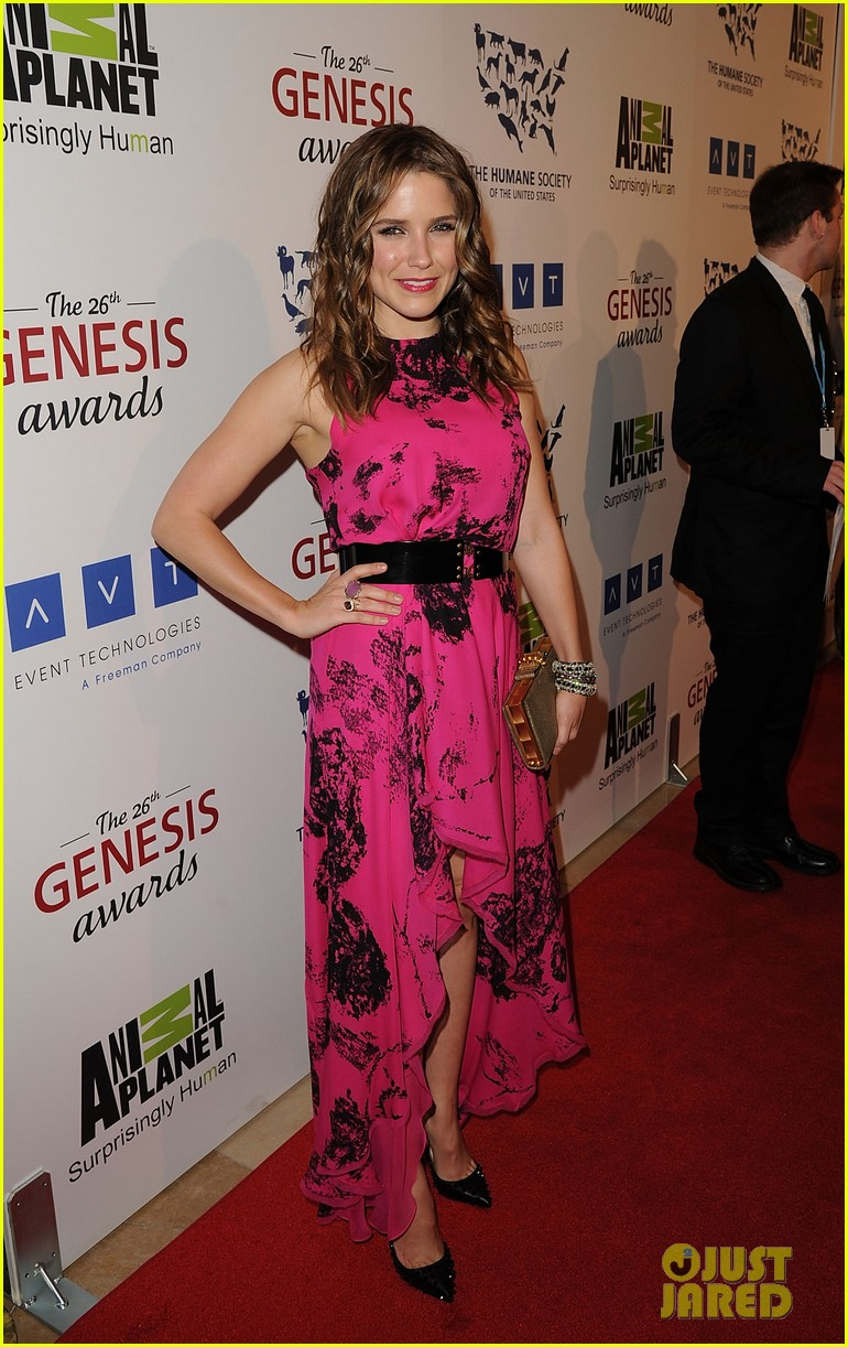 sophia bush kesha genesis awards 122642479