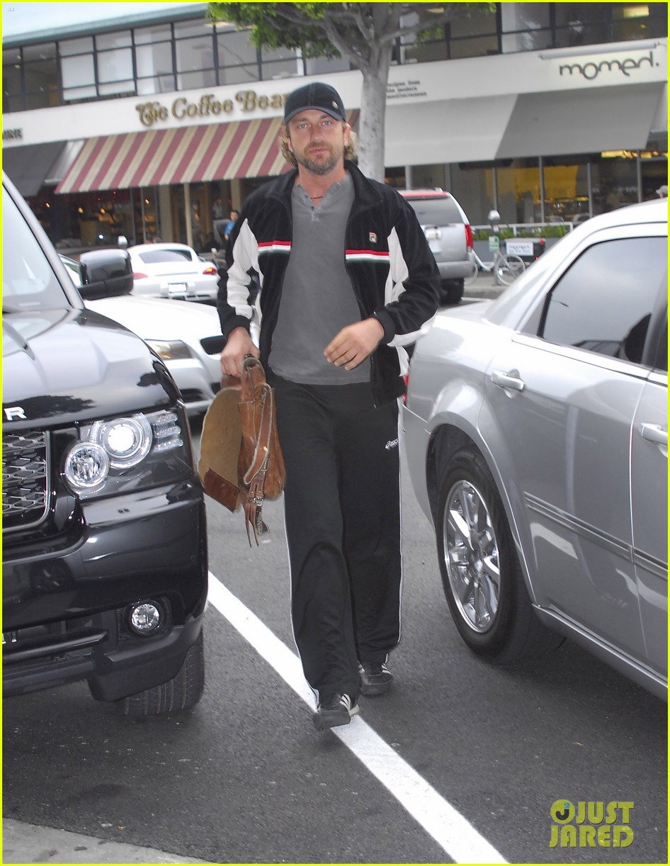 gerard butler out about car 022639264
