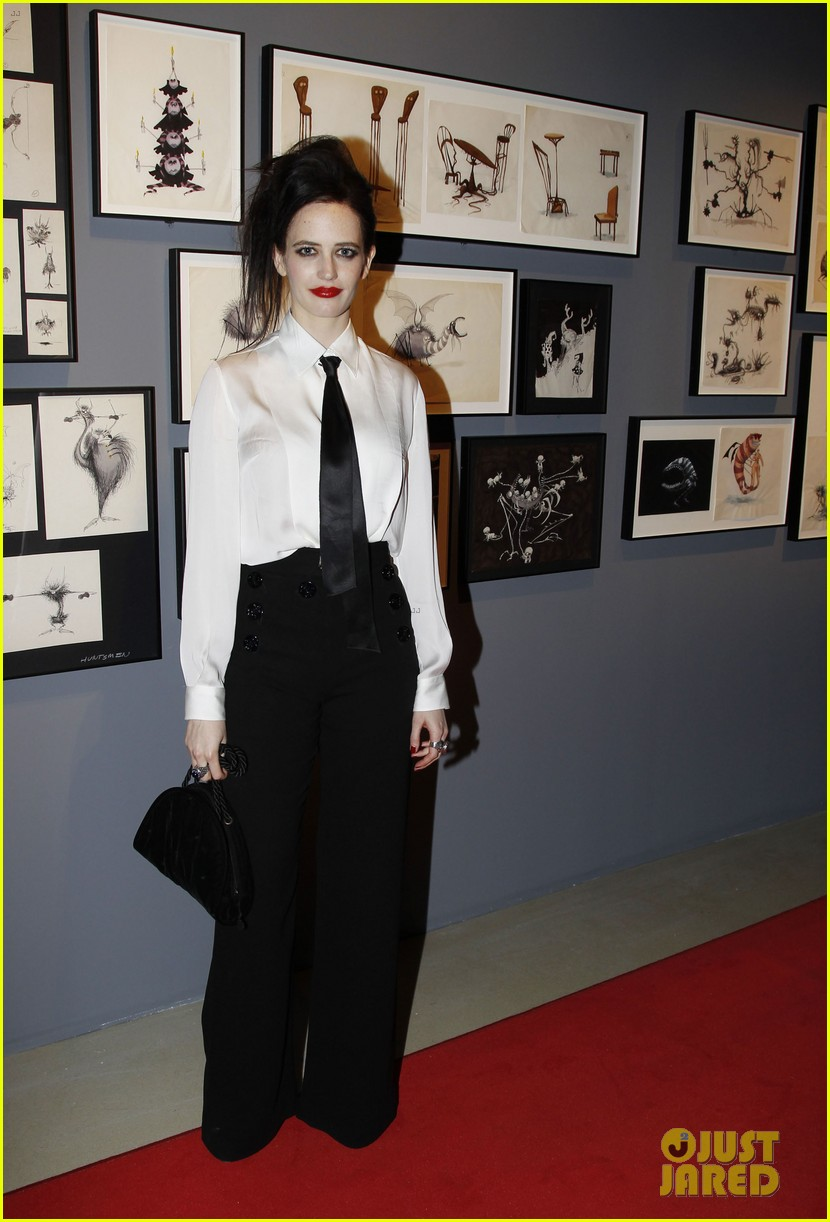 helena bonham carter tim burton exhibition with eva green 10