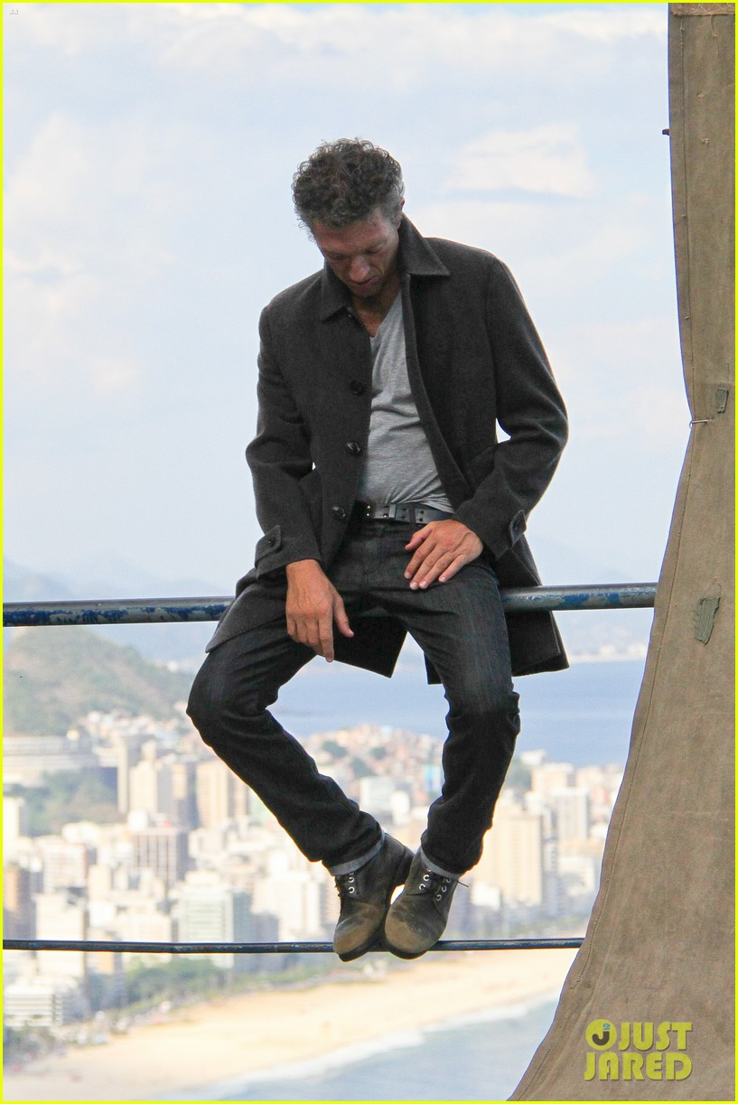 vincent cassel rio photoshoot 01