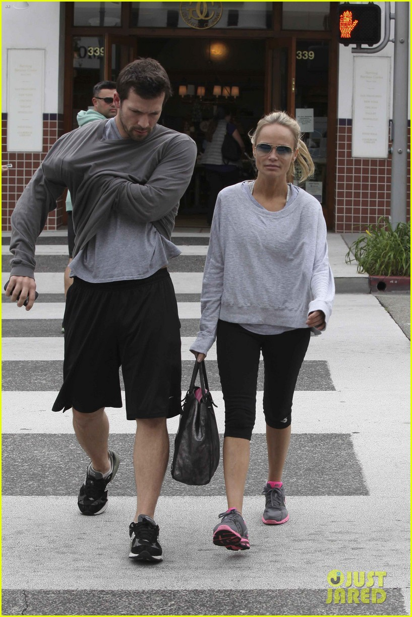 kristin chenoweth gym training day 02