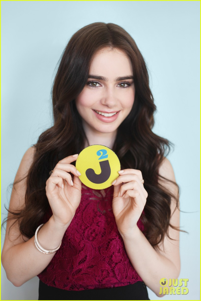 lily collins exclusive interview 042643579