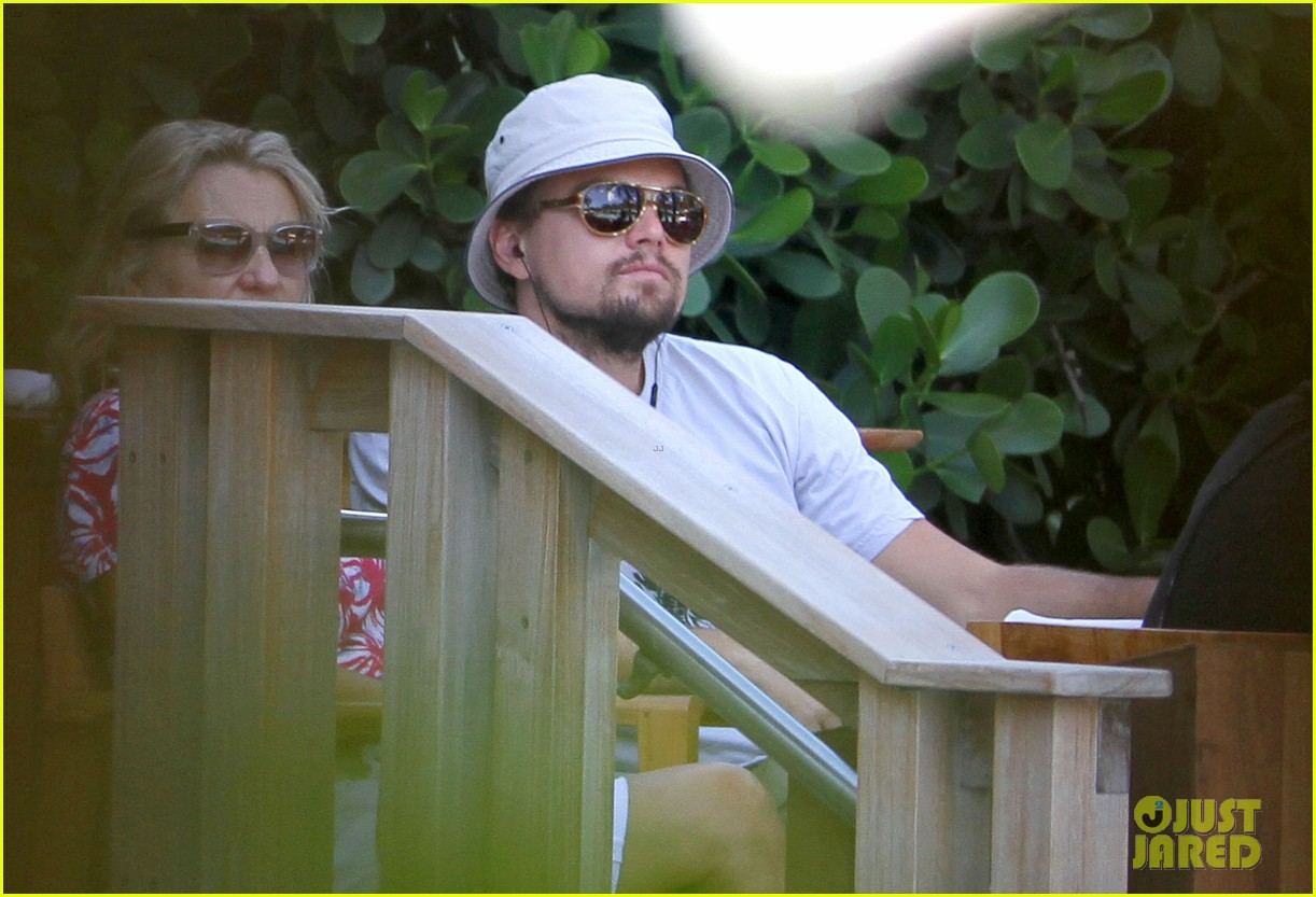 leonardo dicaprio miami with mom 052640456