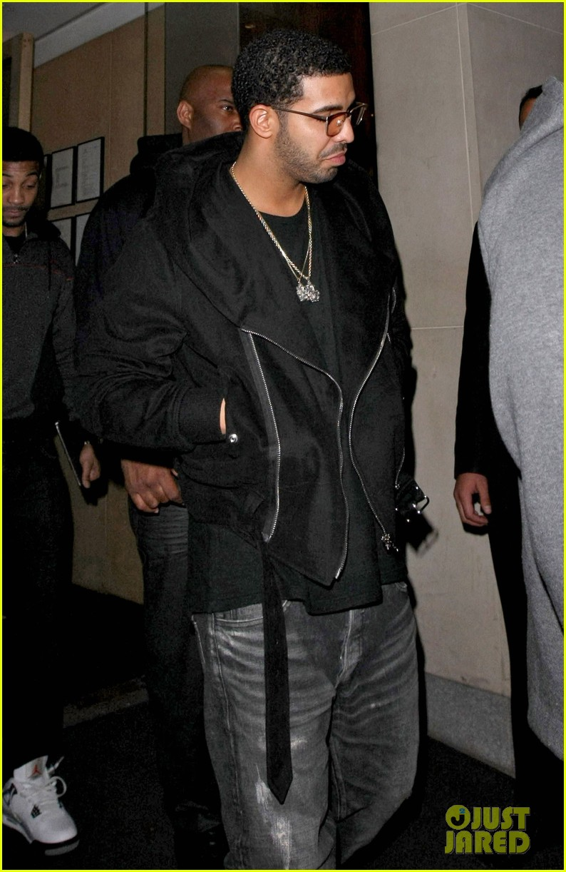drake out and about 02