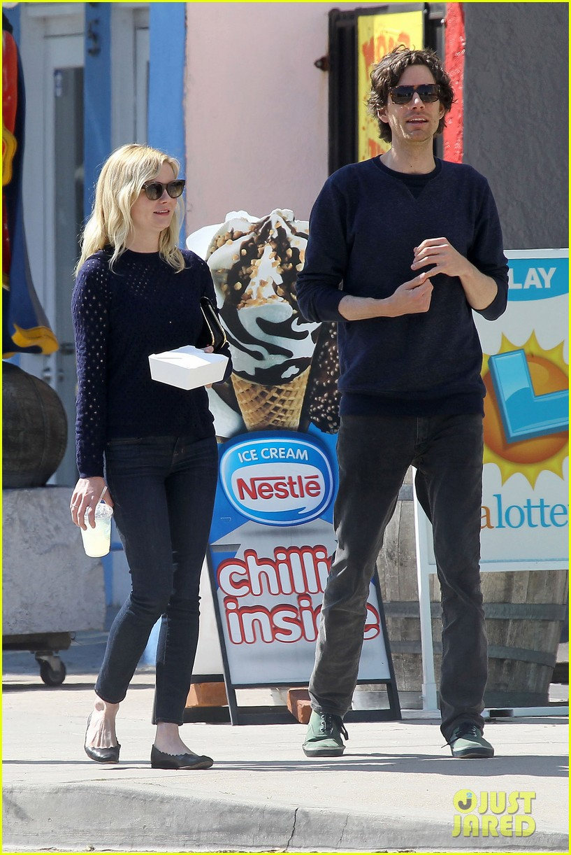 kirsten dunst guy friend lunch 11