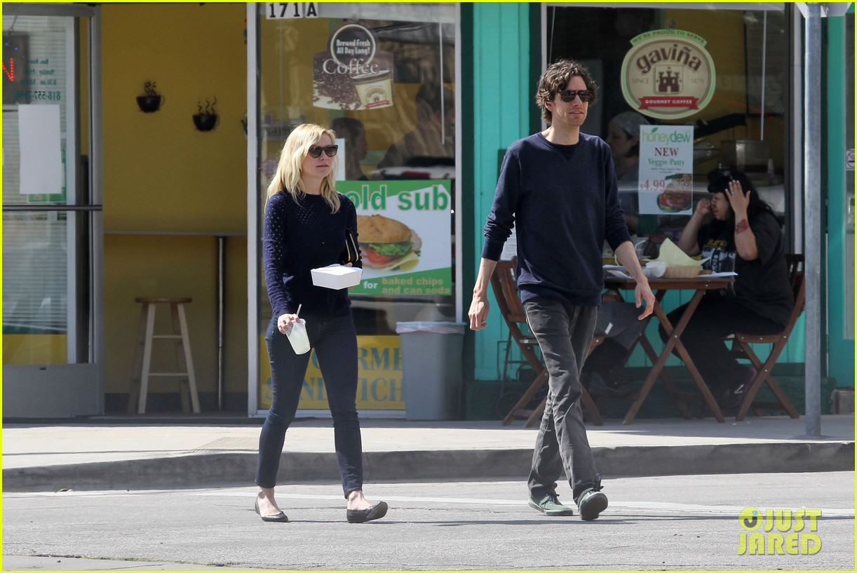 kirsten dunst guy friend lunch 14