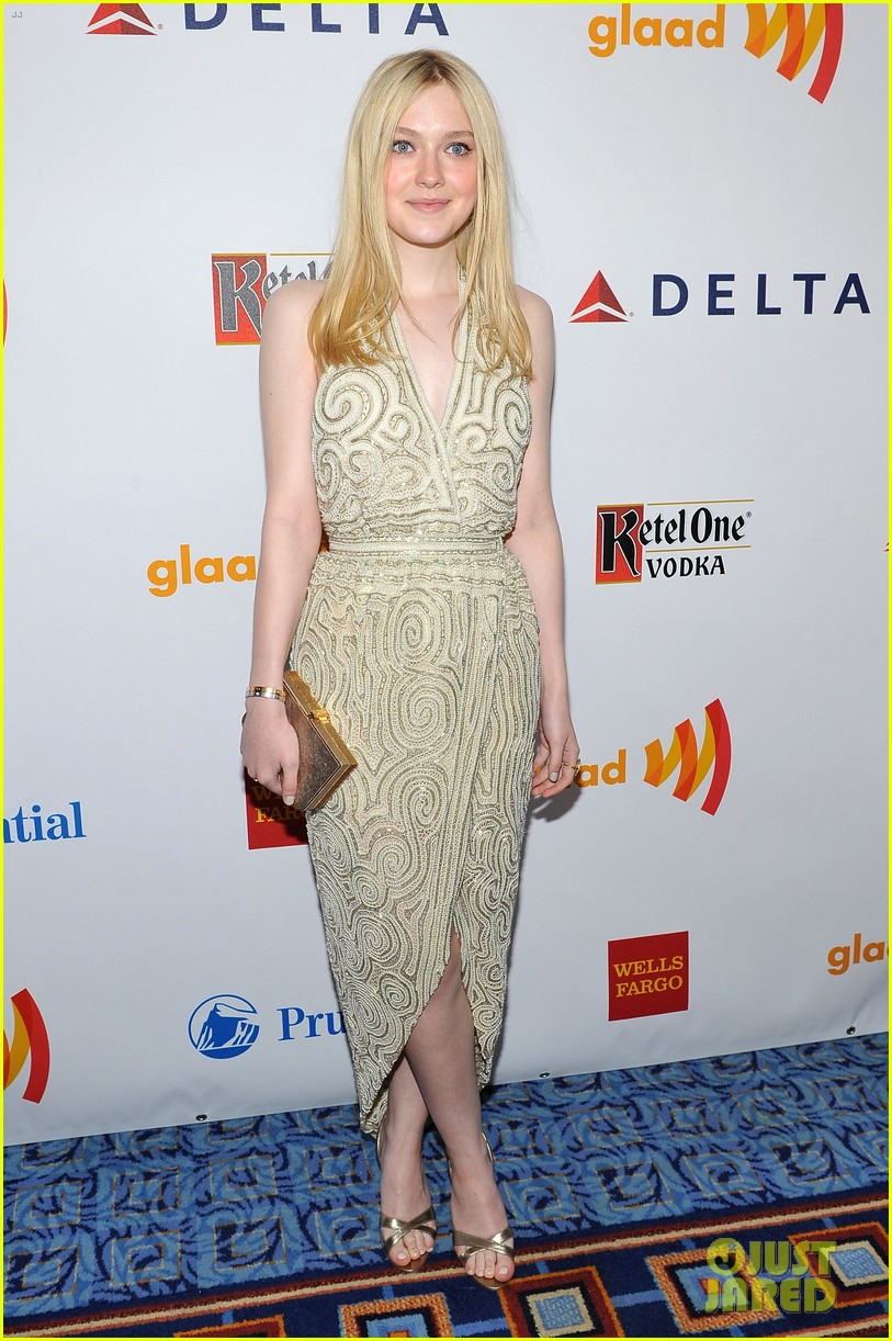 dakota fanning 2012 glaad awards 03