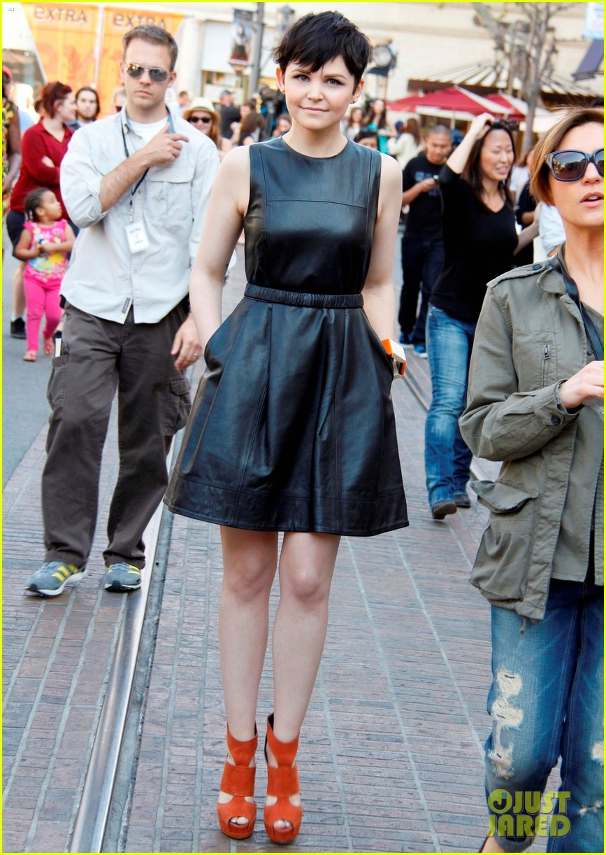 ginnifer goodwin extra appearance at the grove 012635606