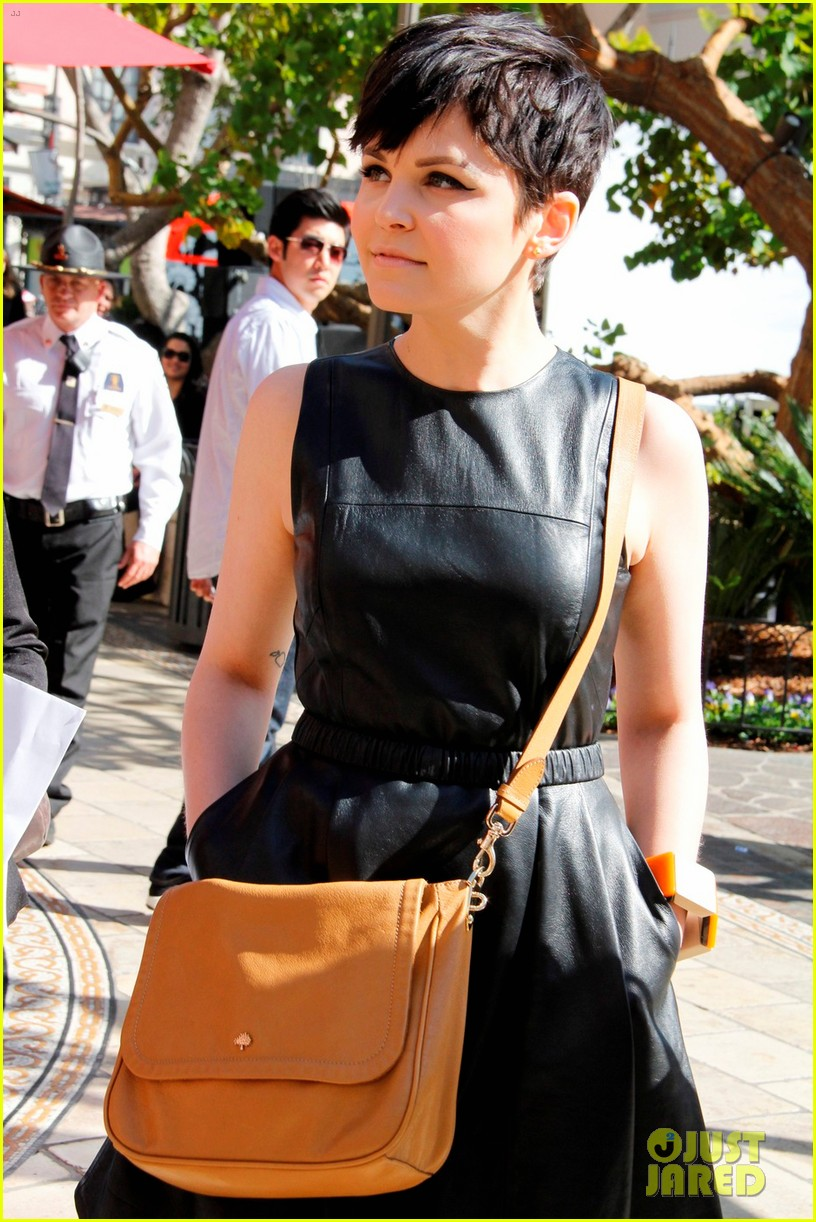 ginnifer goodwin extra appearance at the grove 042635609