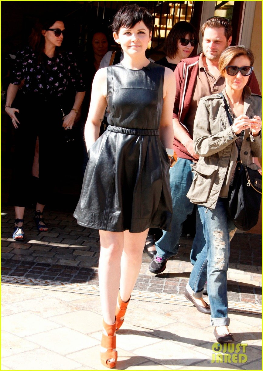 ginnifer goodwin extra appearance at the grove 062635611