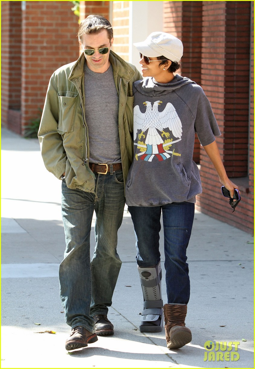 halle berry olivier martinez doctor appointment 012635270
