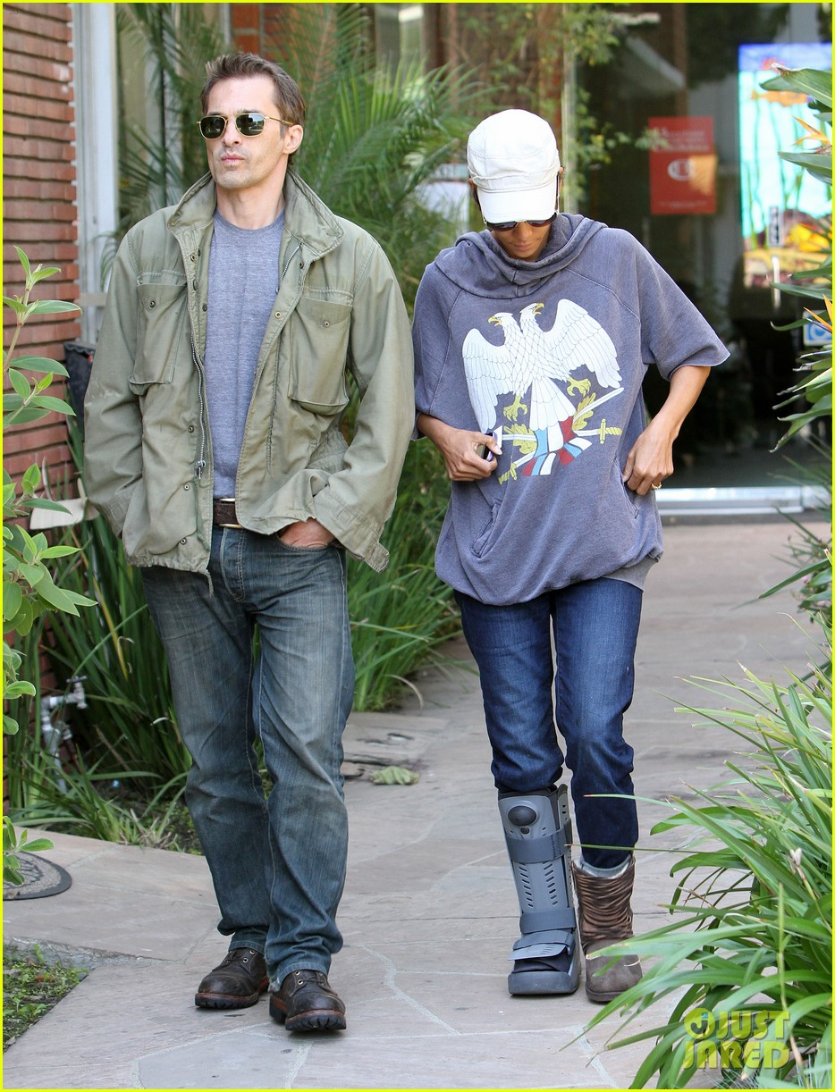 halle berry olivier martinez doctor appointment 042635273