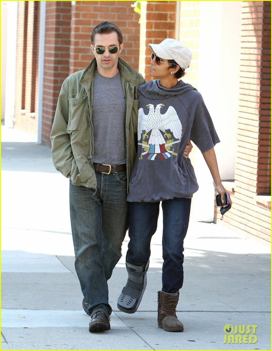 halle berry olivier martinez doctor appointment 052635274