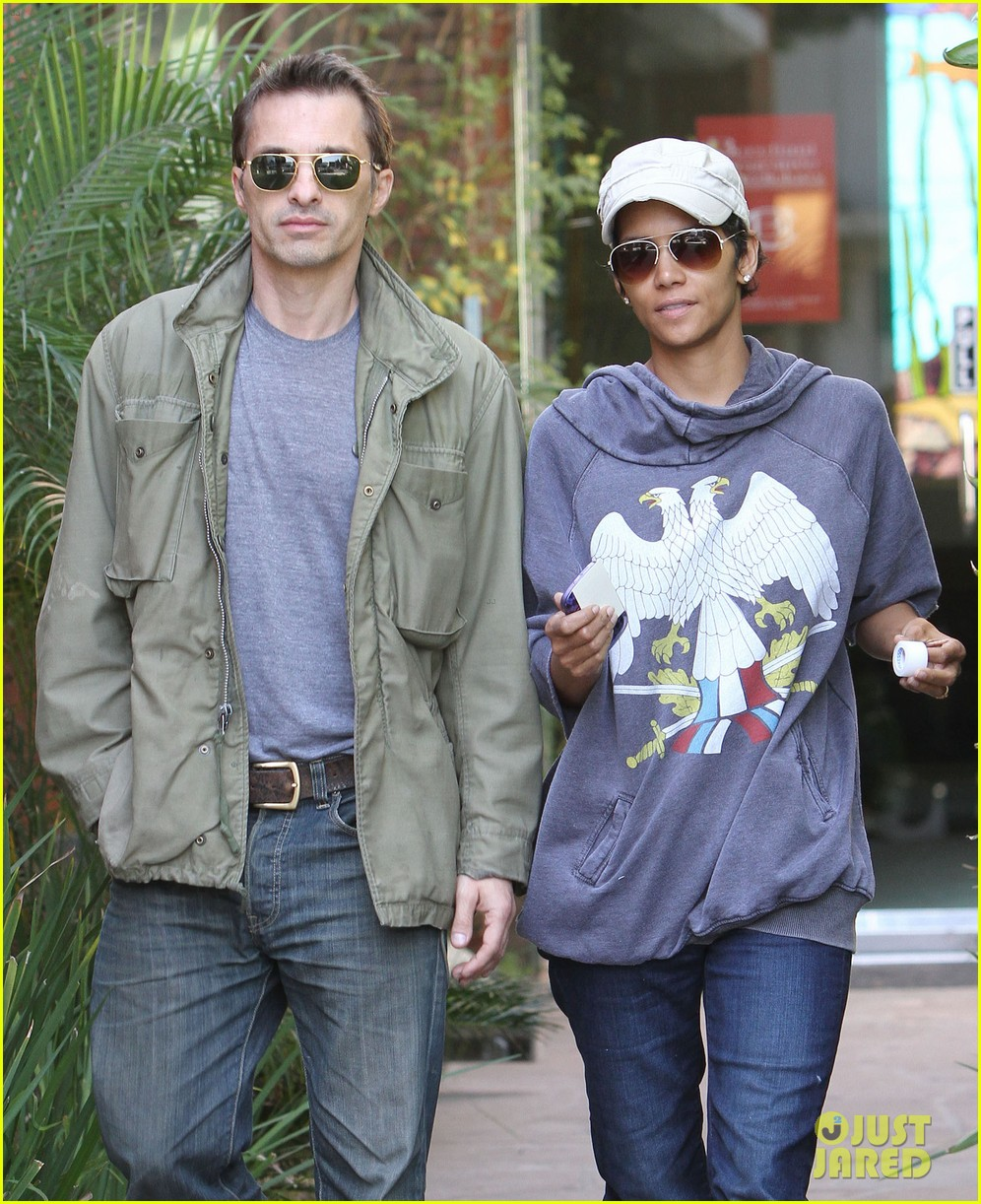 halle berry olivier martinez doctor appointment 08