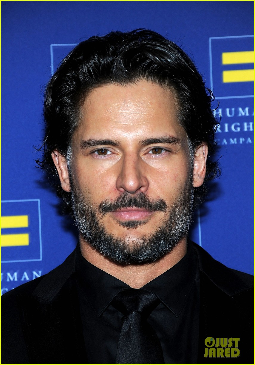 chelsea handler hrc gala with joe manganiello 062640039