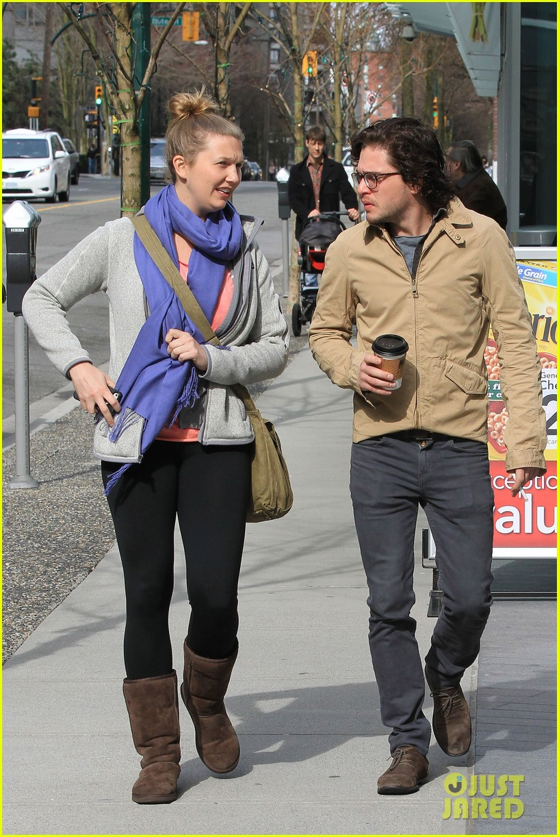 kit harington 7 eleven 14