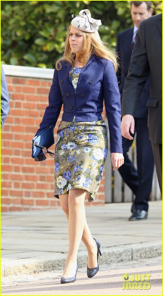 queen elizabeth prince harry church service 032643765