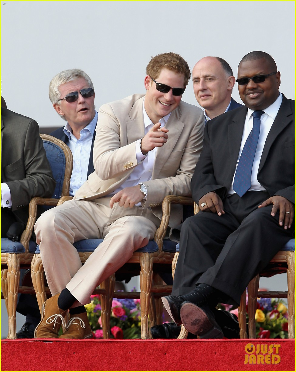 prince harry youth rally bahamas 06