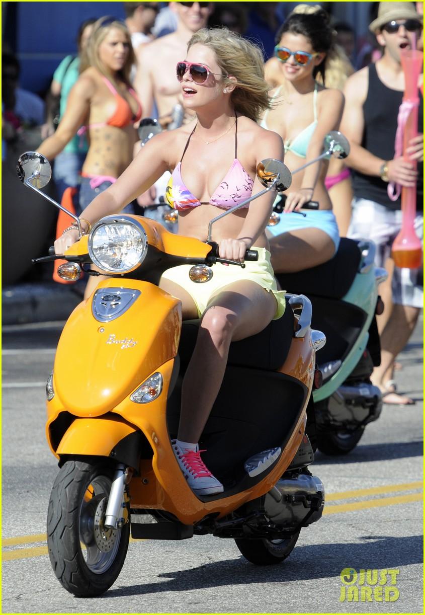 vanessa hudgens bikini scooter spring breakers 102638678