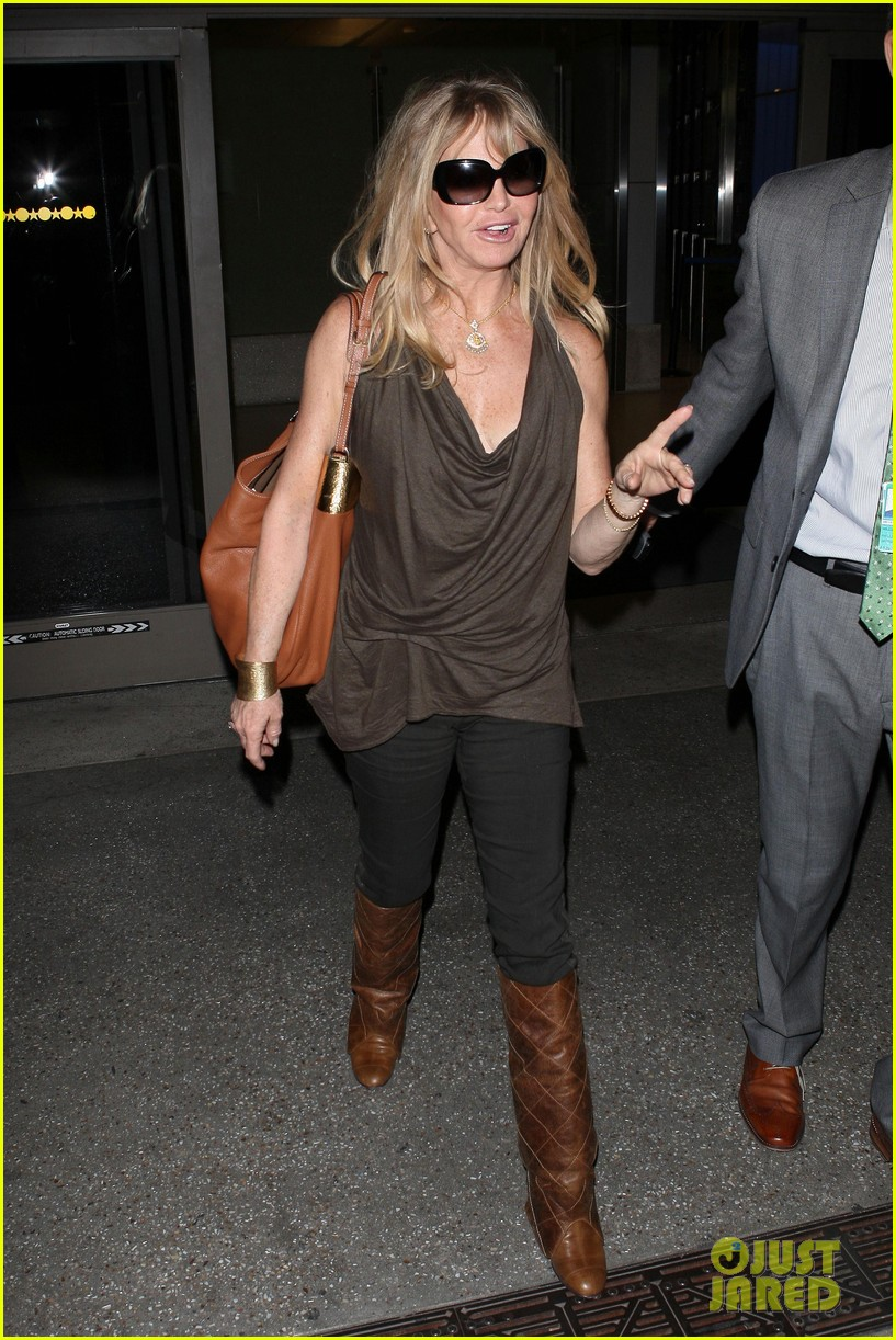 kate hudson goldie hawn lax 18