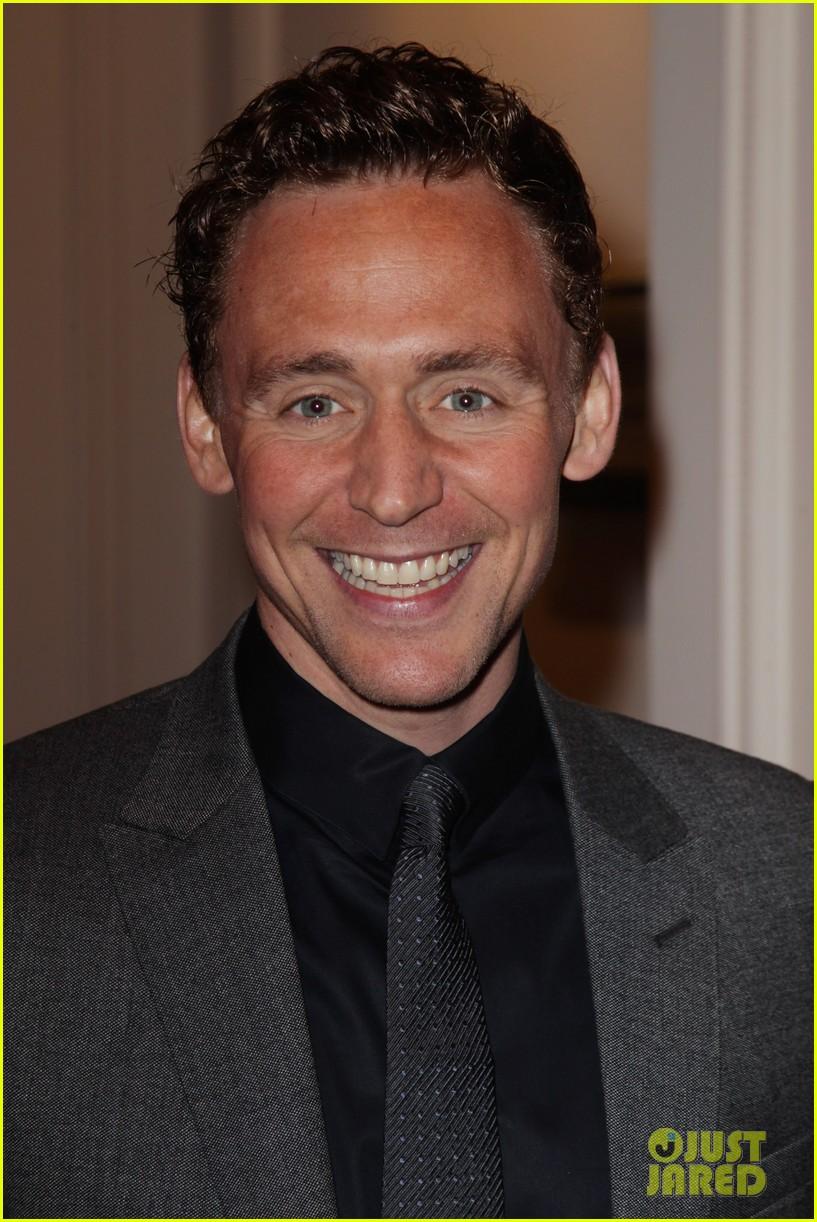jeremy irvine tom hiddleston empire awards 082642390
