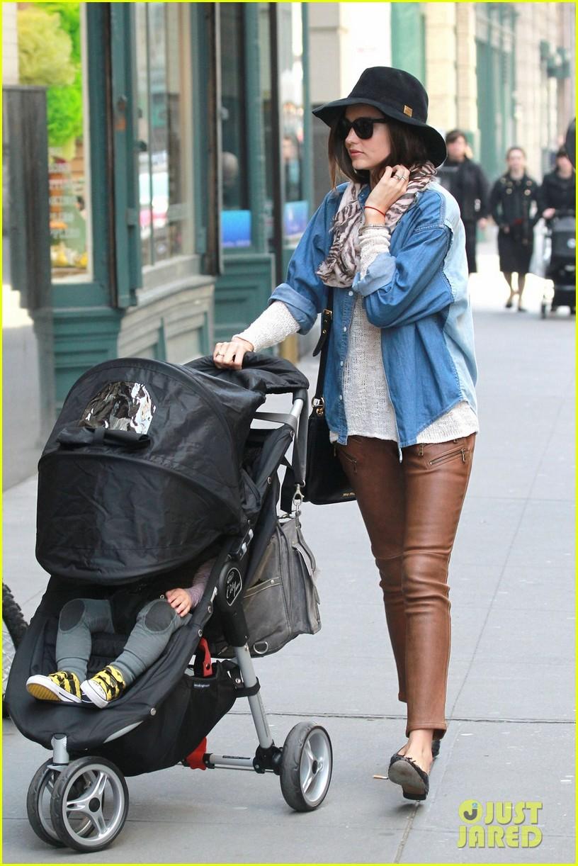 miranda kerr stroller walk flynn 052640212