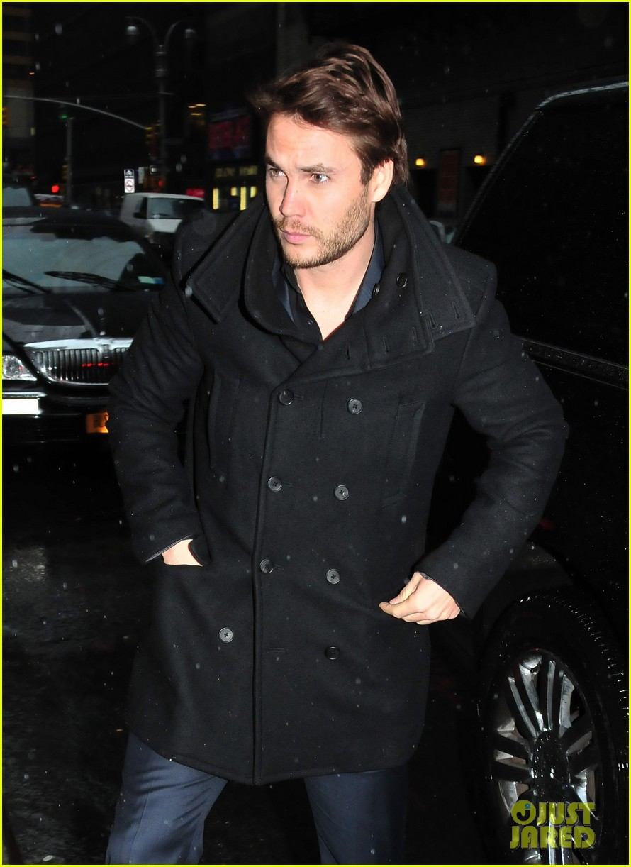 taylor kitsch late show with david letterman visit 02