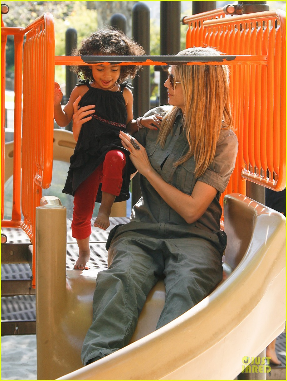 heidi klum park playtime with the girls 16