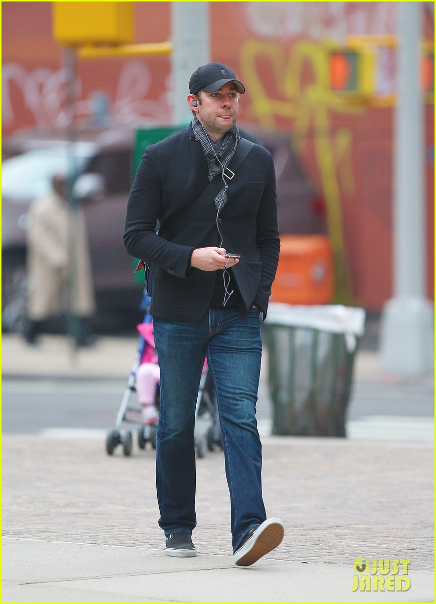 john krasinski tribeca stroll 05