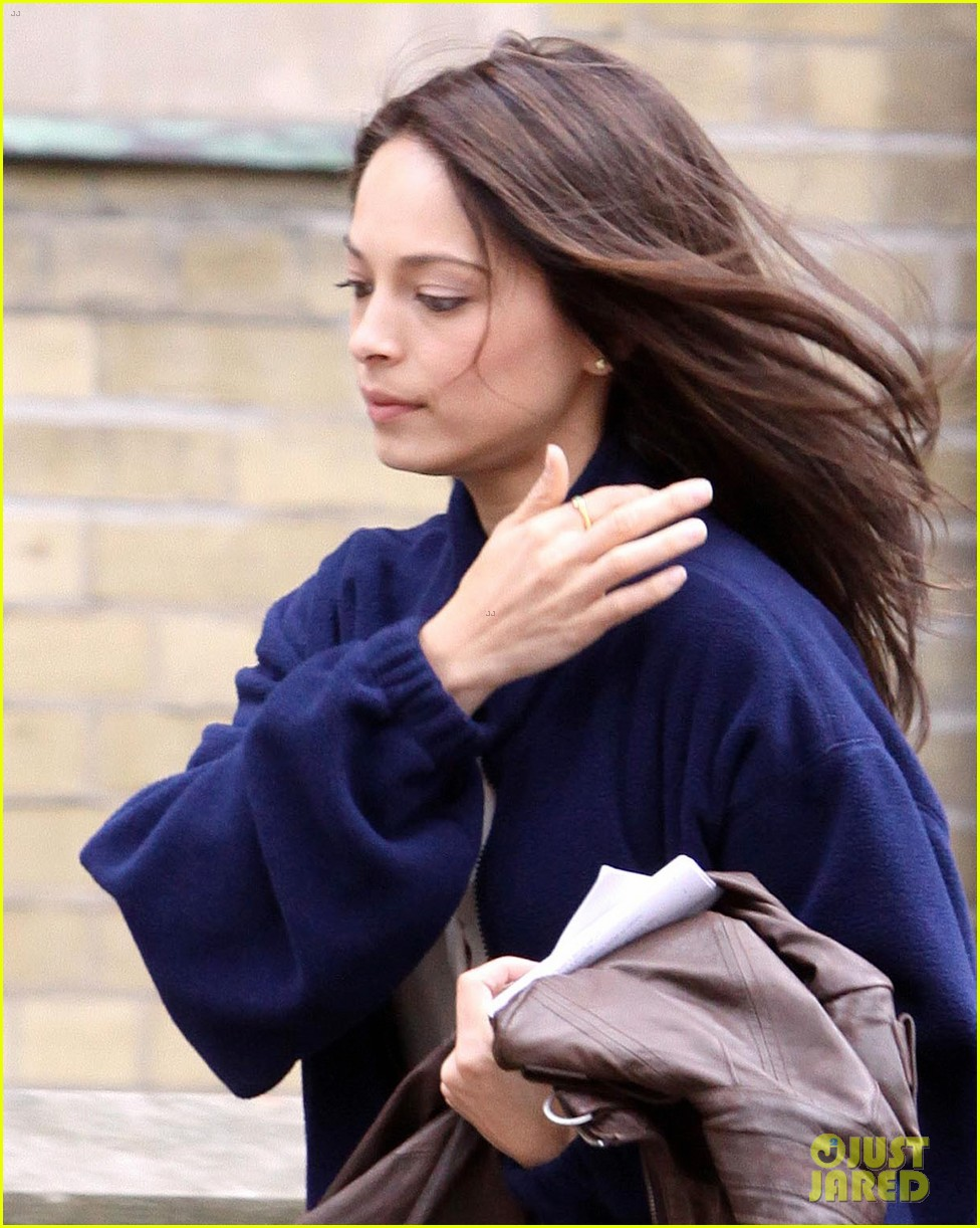 kristin kreuk beauty beast set toronto 022641560