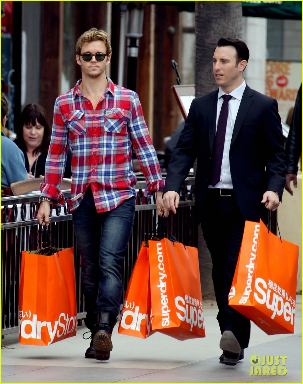 ryan kwanten superdry 05