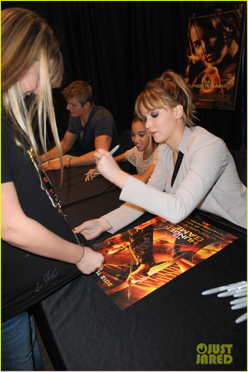 jennifer lawrence broward mall hunger games tour 062637292
