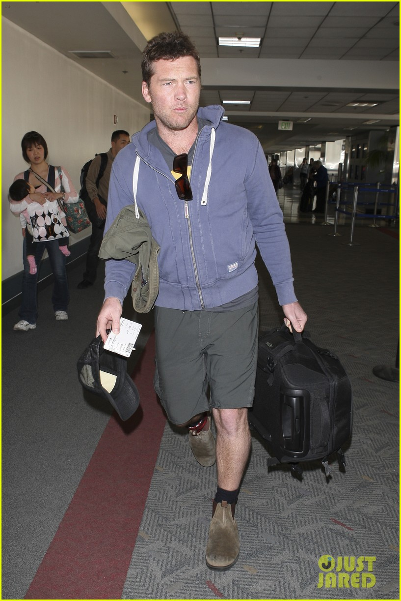sam worthington lax flight 05