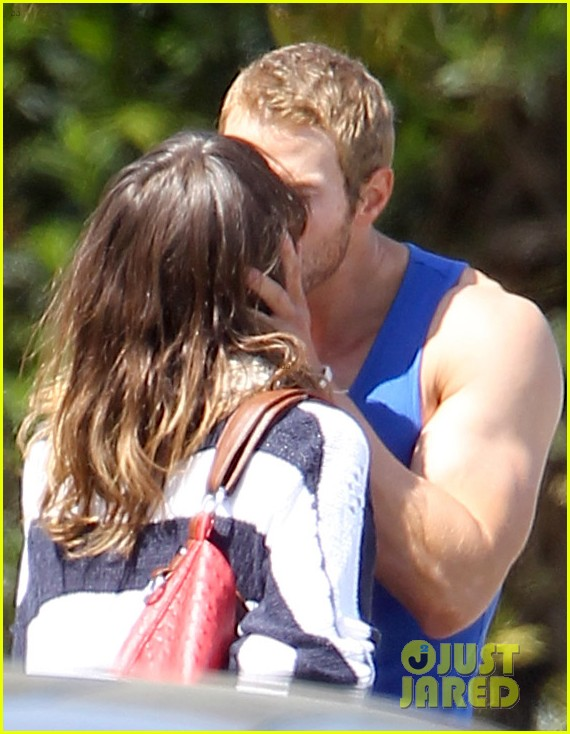 kellan lutz goodbye kiss with sharni vinson 05