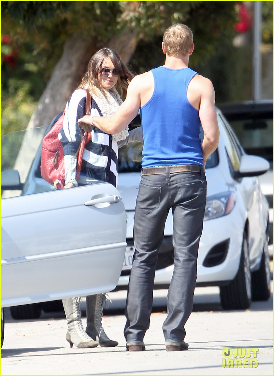 kellan lutz goodbye kiss with sharni vinson 082639205