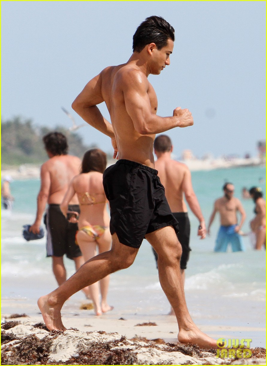 Mario Lopez South Beach Hunk Photo 2642655 Mario Lopez