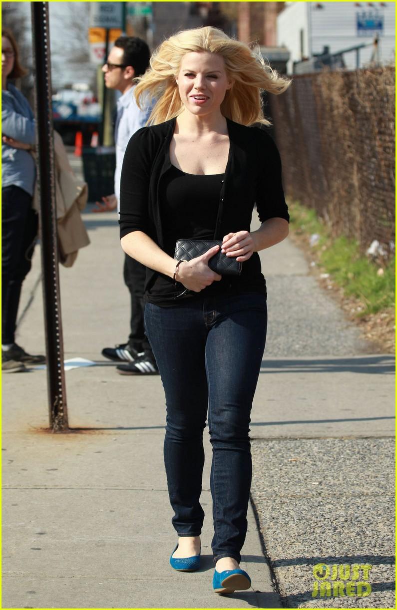 MARYANN: Debra messing jeans
