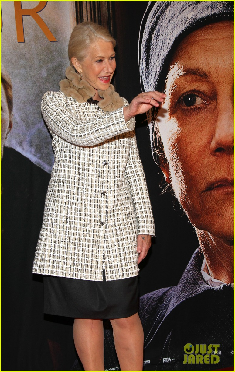 helen mirren door berlin premiere 082637639