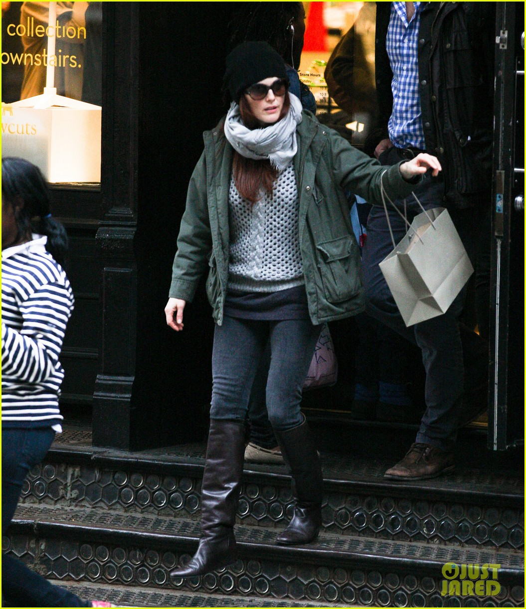 julianne moore heading home 002639692