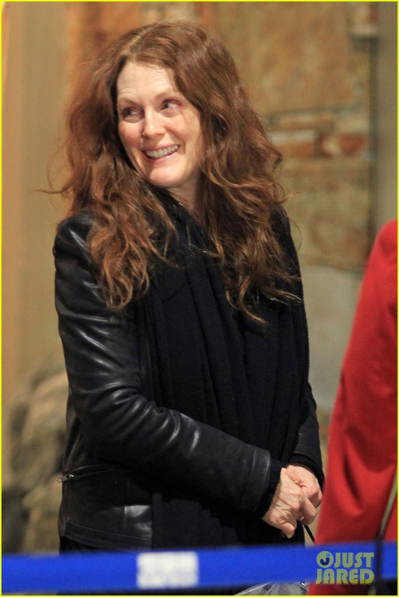 julianne moore heading home 062639699