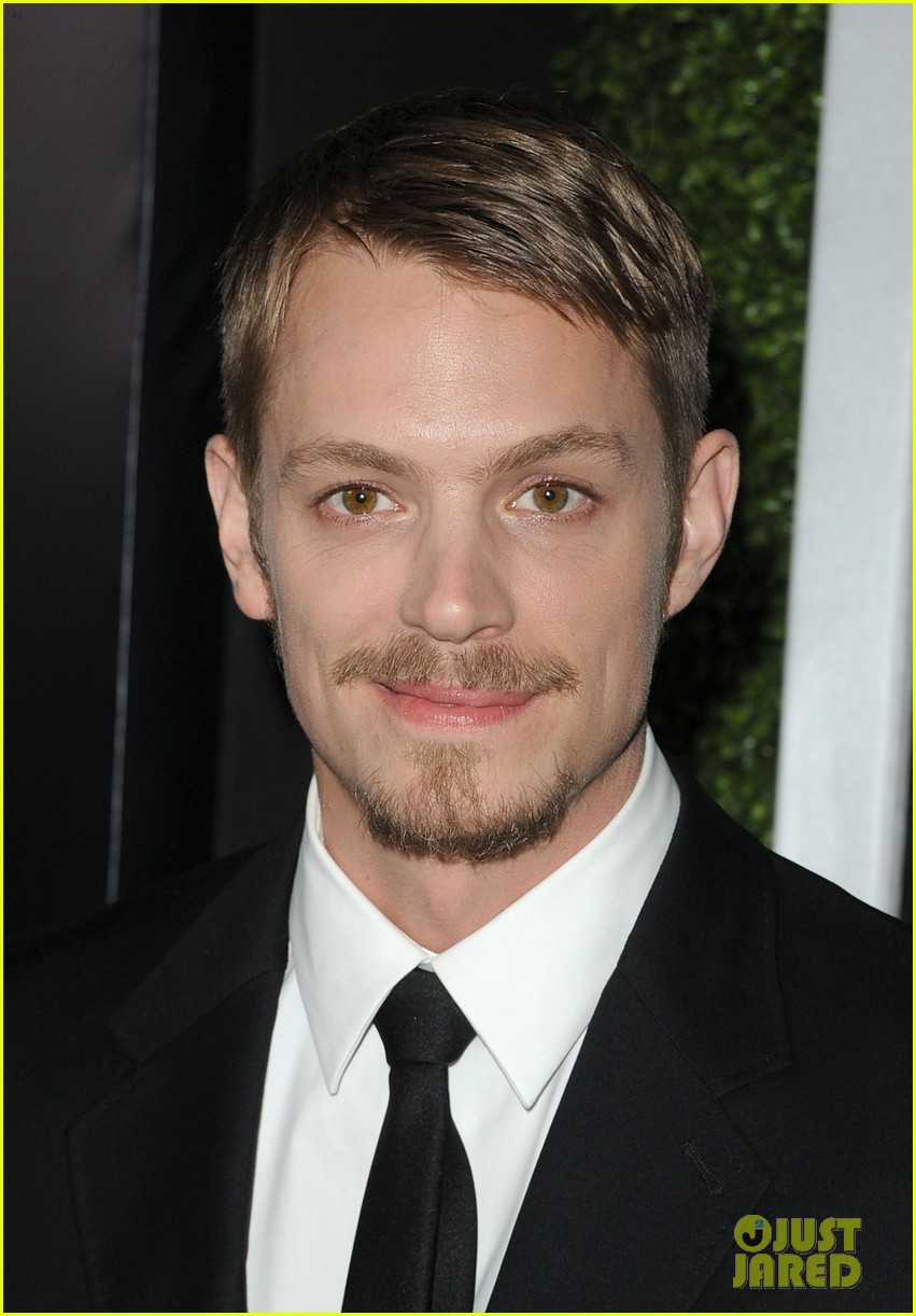 olivia munn joel kinnaman new couple alert 022642787