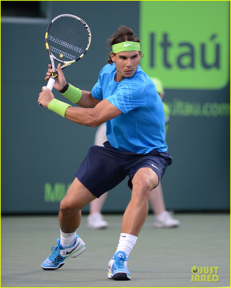 rafael nadal shirtless at the sony ericsson open 012642631