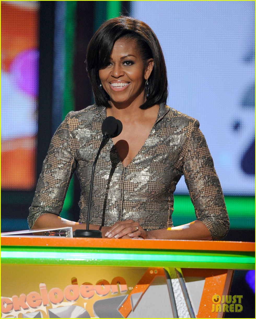 michelle obama kids choice awards with malia sasha 032644069