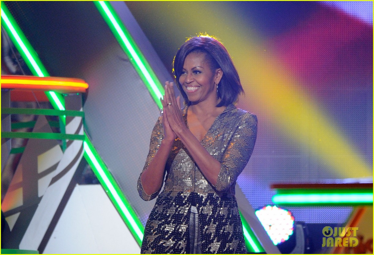 michelle obama kids choice awards with malia sasha 052644071