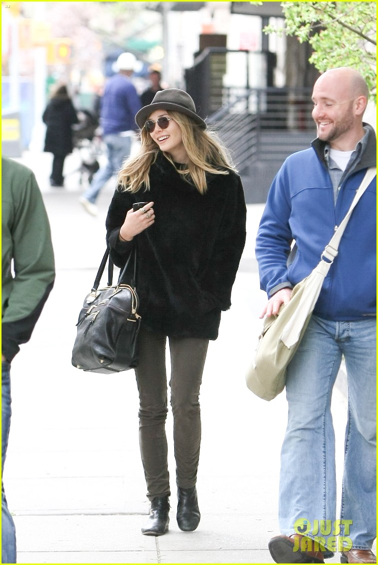 elizabeth olsen hat sunglasses nyc 04