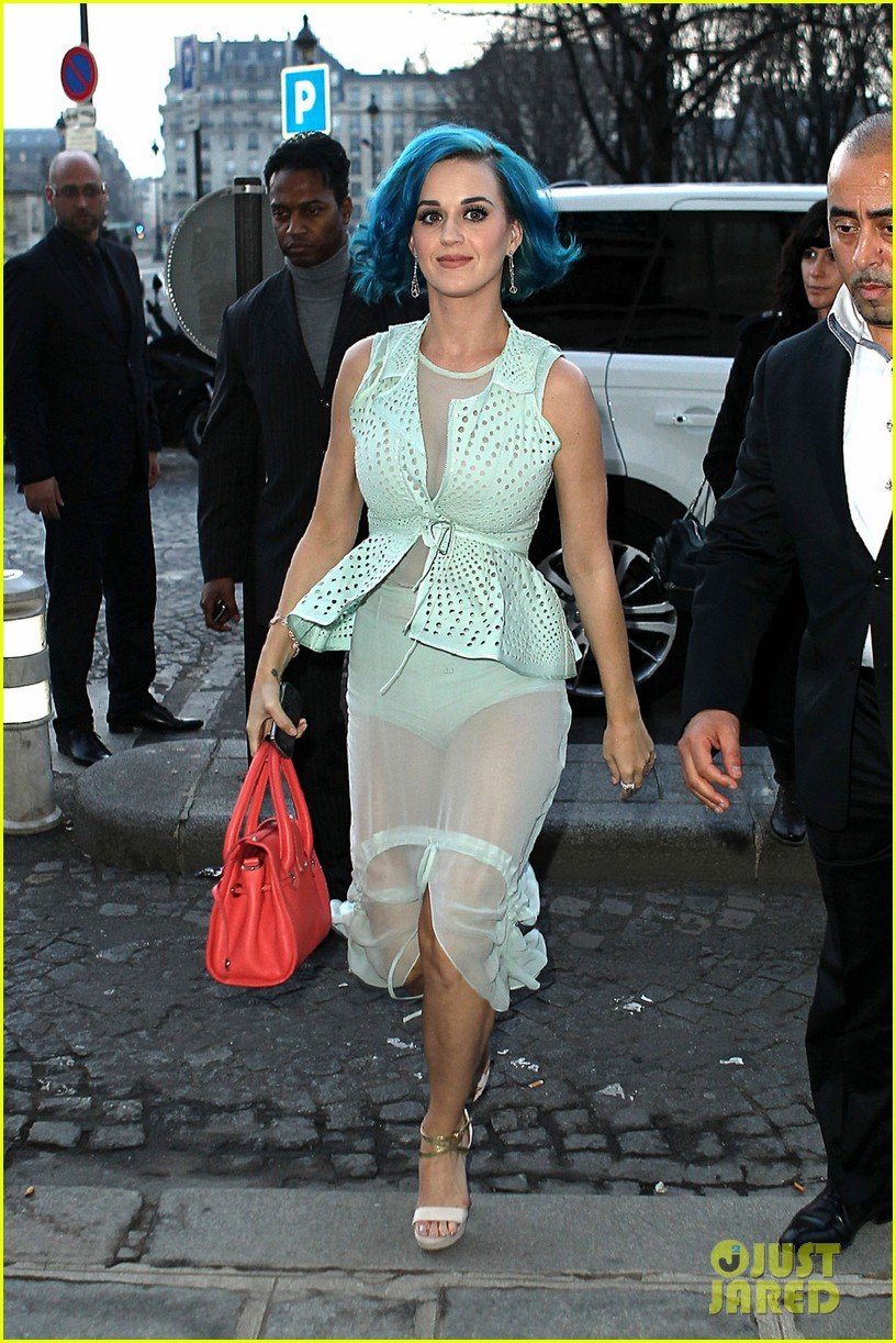 katy perry sheer skirt paris fashion week 02