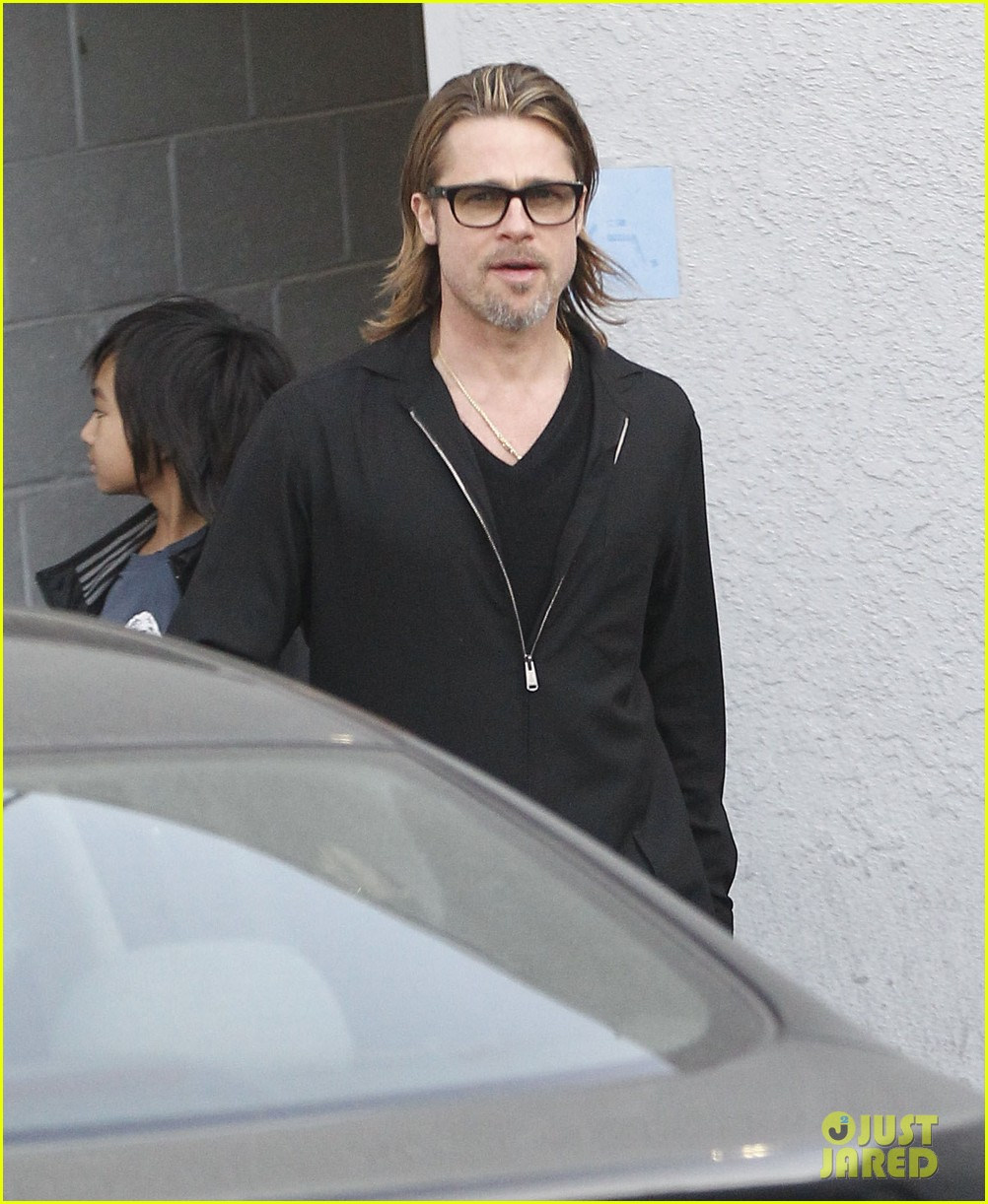 brad pitt maddox visit guitar center 072635090