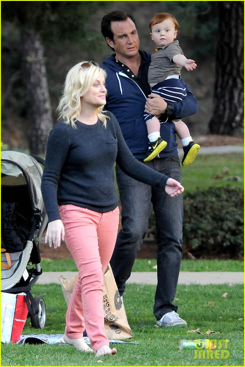 Amy Poehler & Will Arnett: Park Playtime with Archie ...