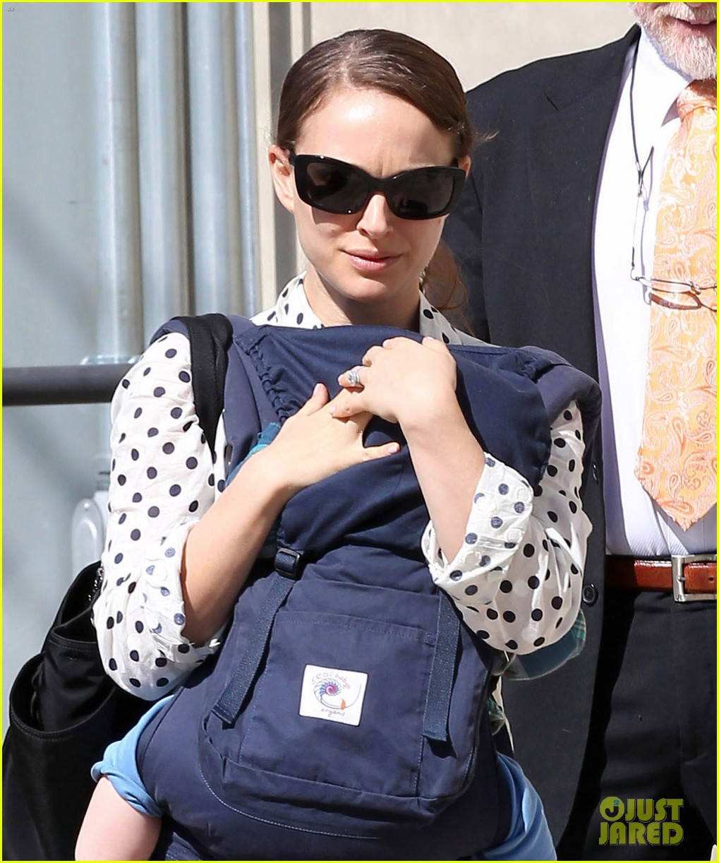 natalie portman temple services with benjamin and aleph 062635658