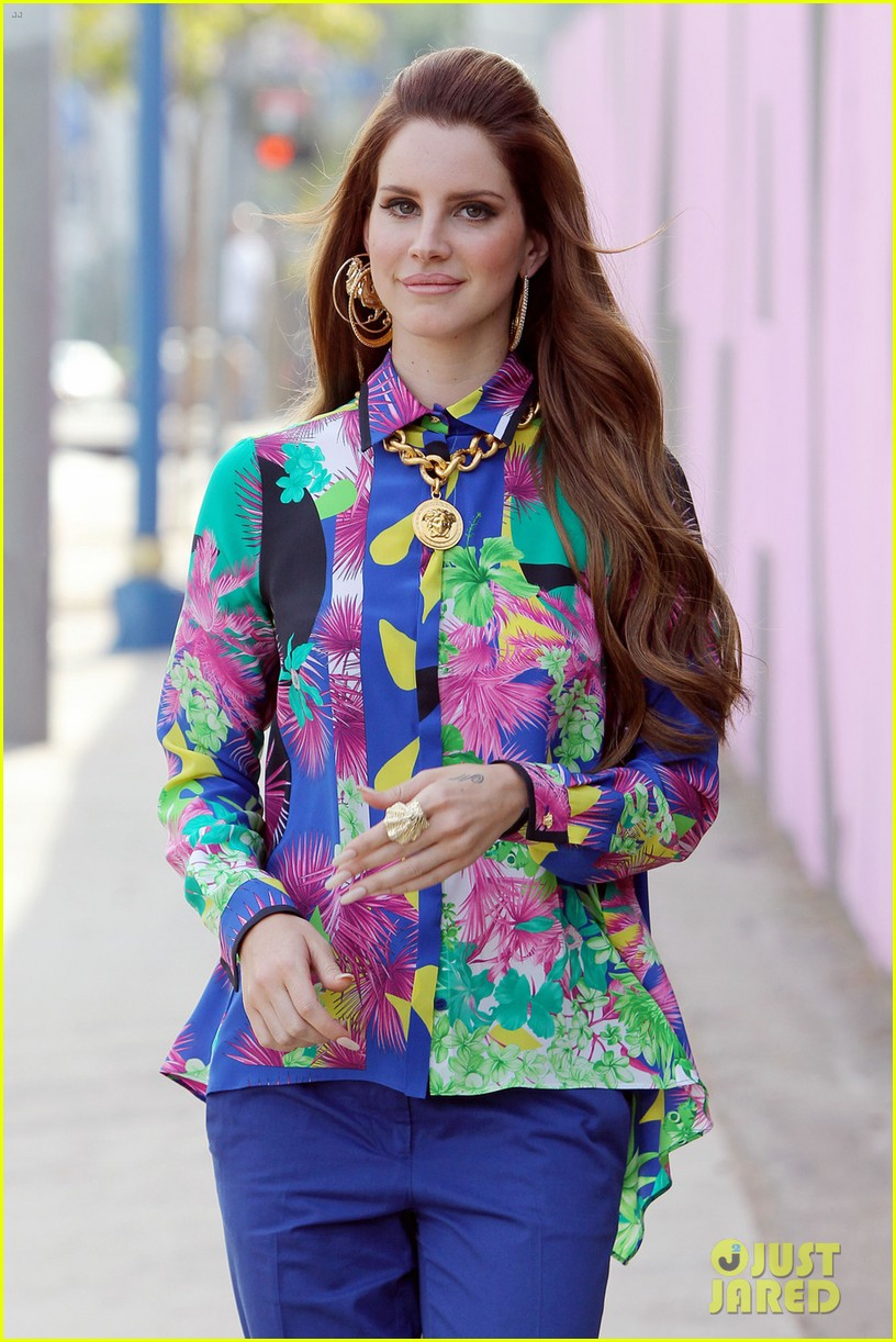 lana del rey colorful photo shoot 06